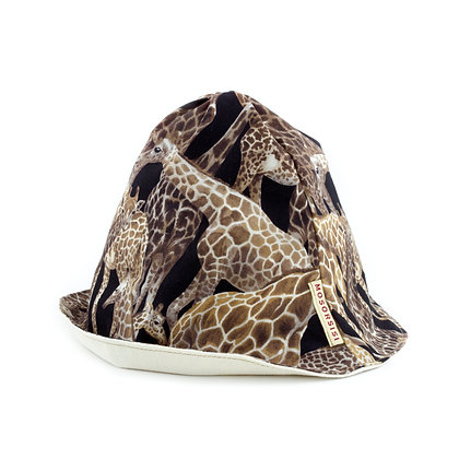 Giraffe pudding hat