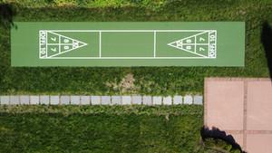 Shuffleboard court, Green