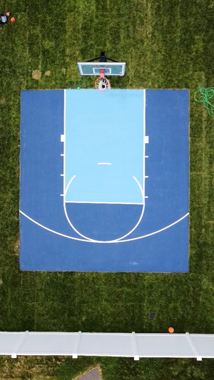 Half basketball court, Blues