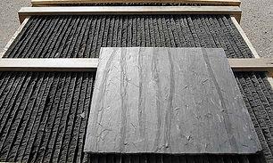 Kvadratisk stenplatta. Autentisk skiffer