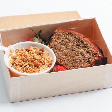 BANANA BREAD & YOGURT BOX