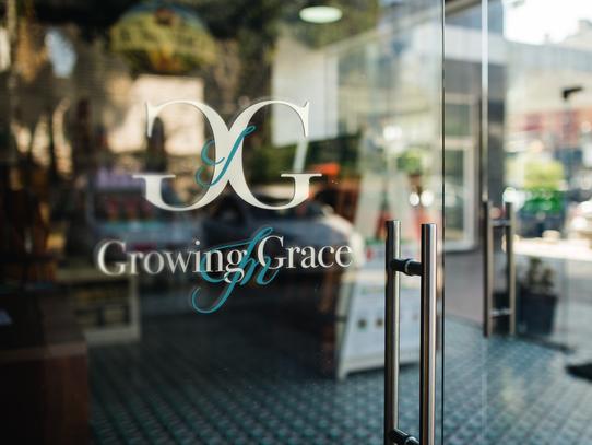 GROWING IN GRACE GLASS DOOR DECAL.png