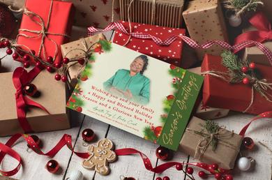 mockup-of-a-christmas-card-over-gift-box