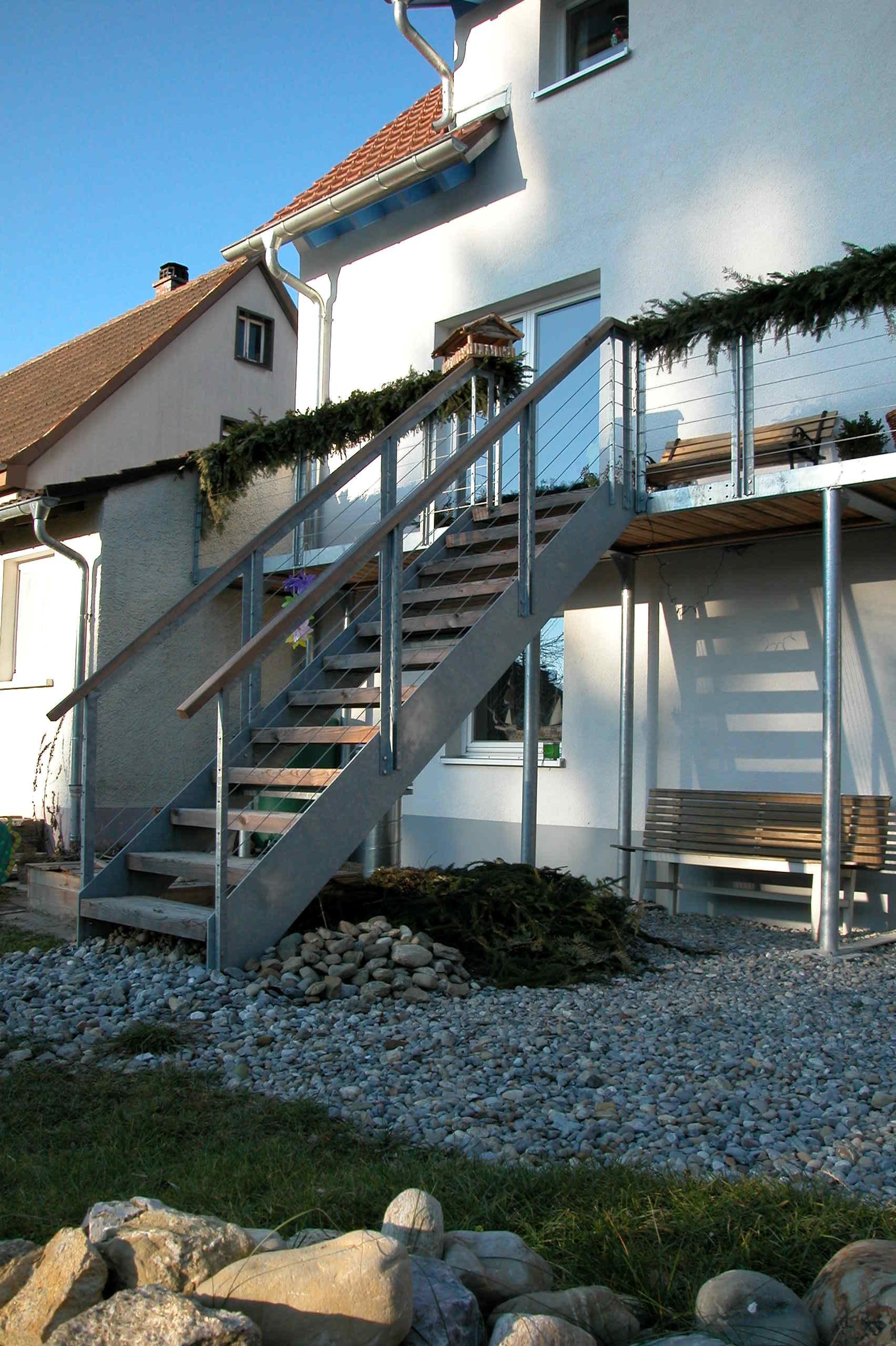 Gartenabgang aus Stahl beim Haus Tob