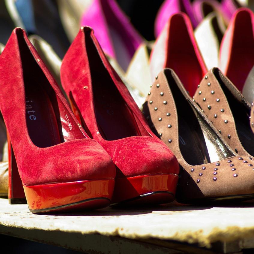 shoes-713130_1920