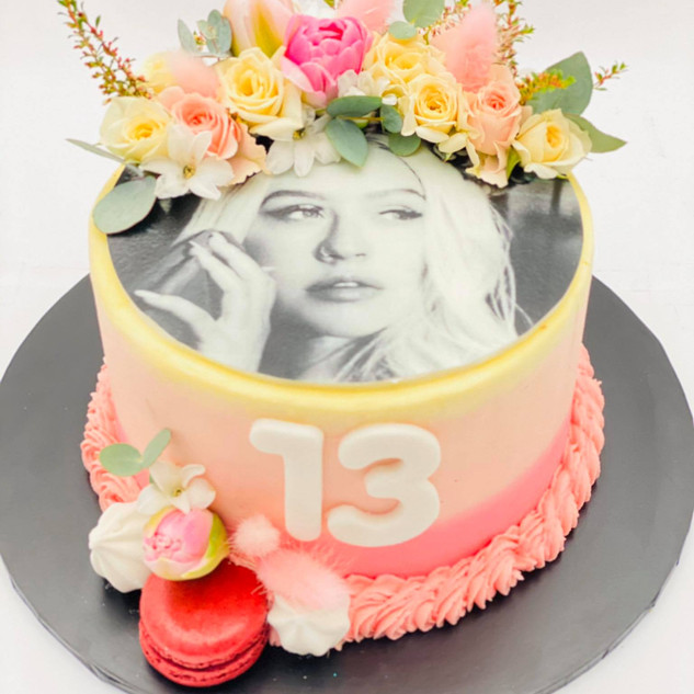 Celebrity cake.jpg