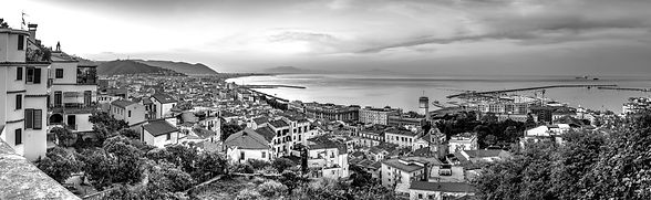 Napoli%20Blick_edited.jpg