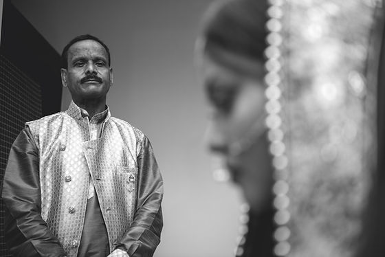 Candid wedding photography in Pune, best wedding photographer in pune.