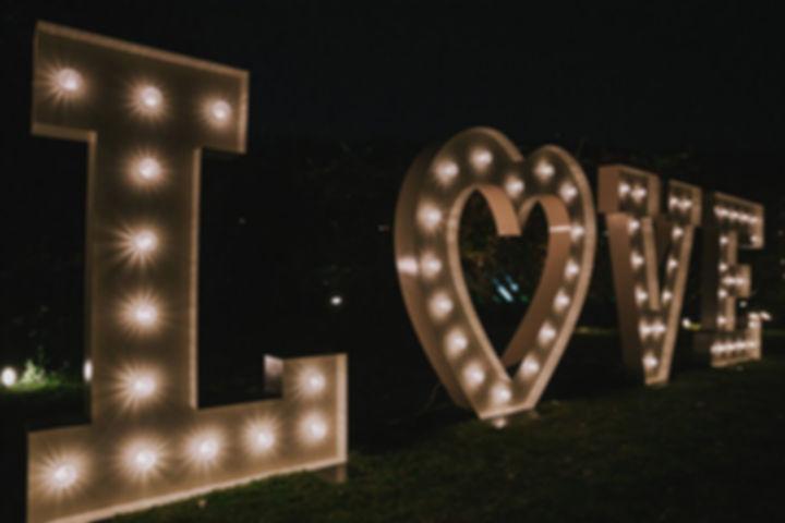 φωτεινα γραμματα γάμου