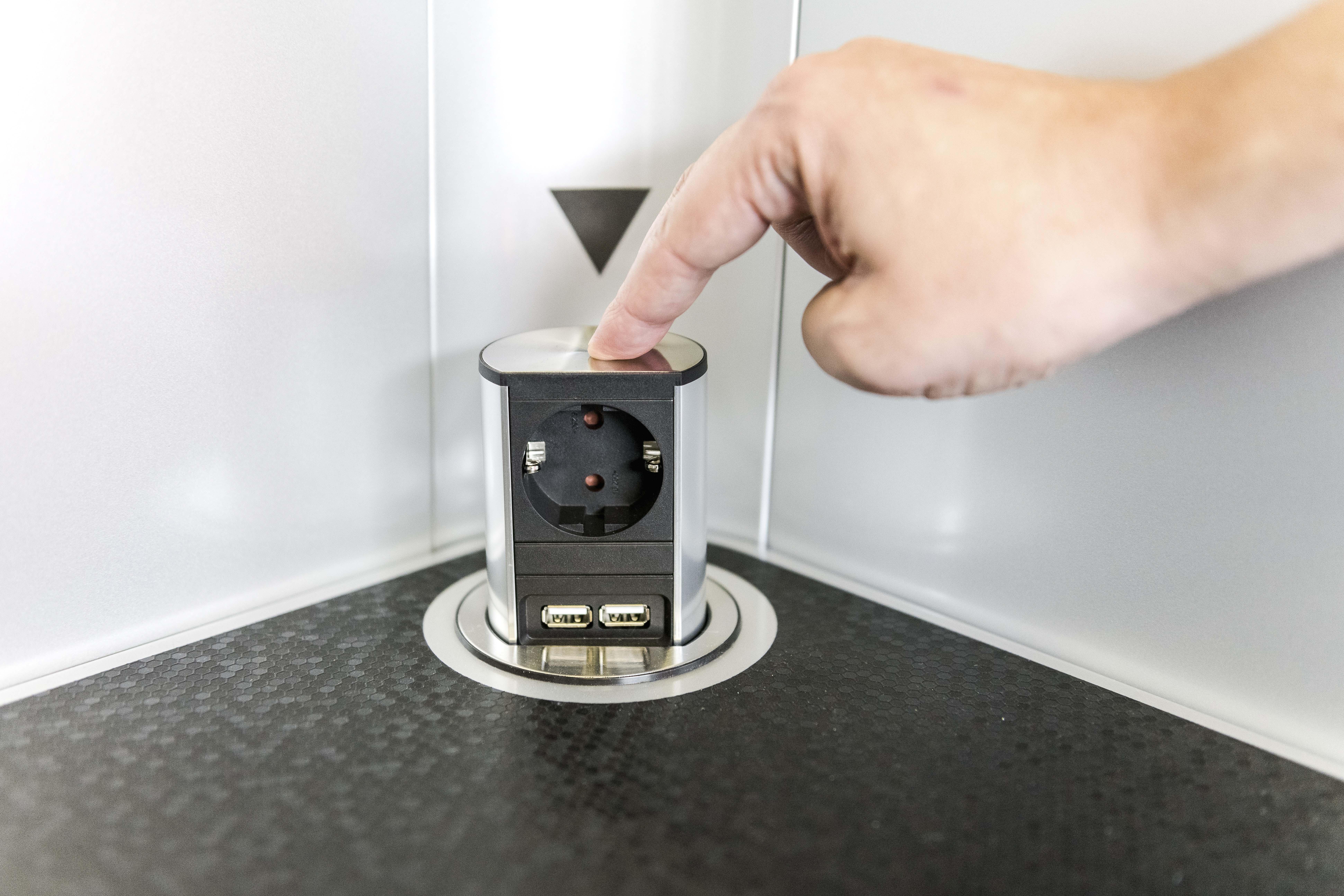 Socket Elevator