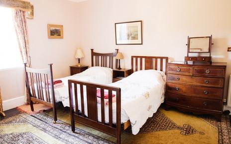 Bedroom 8 - 3 singles