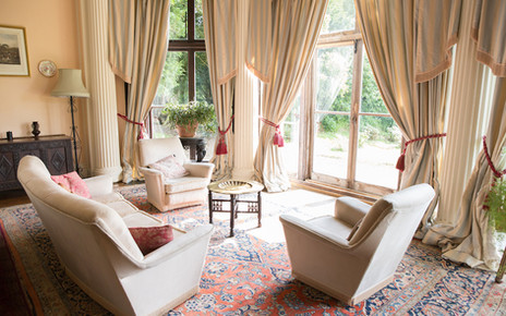 Big Sitting Room bay windows