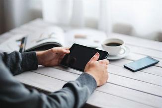 Como criar um site grátis? Planeje a interação das páginas  Crie textos sobre o seu negócio  Tire fotos do seu negócio