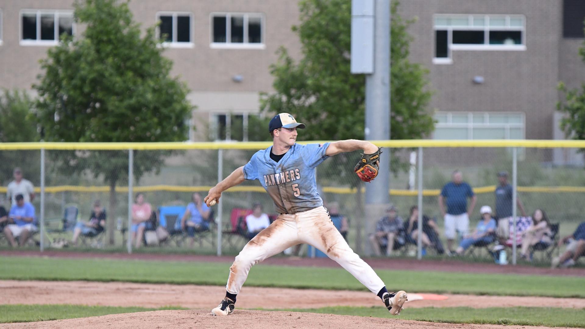 luke south pitching.jpg