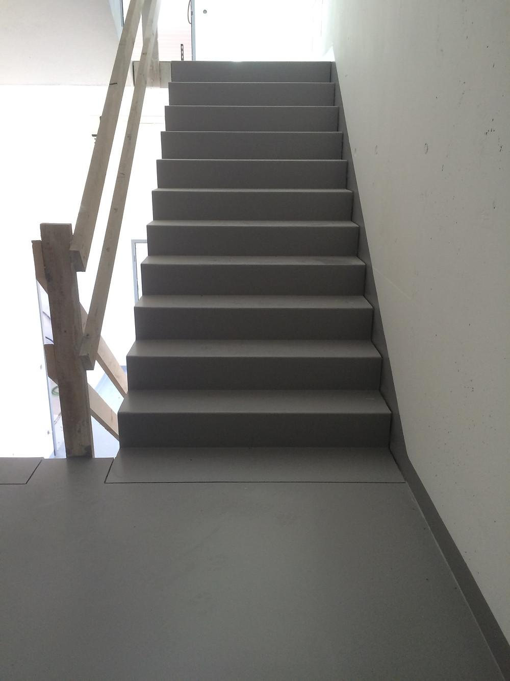 Traitement des escaliers avec marche R12 - GS 3 et contremarche lisse