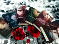 """De ce să citeşti """"Academia Vampirilor"""", în ciuda clişeelor cu vampiri"""