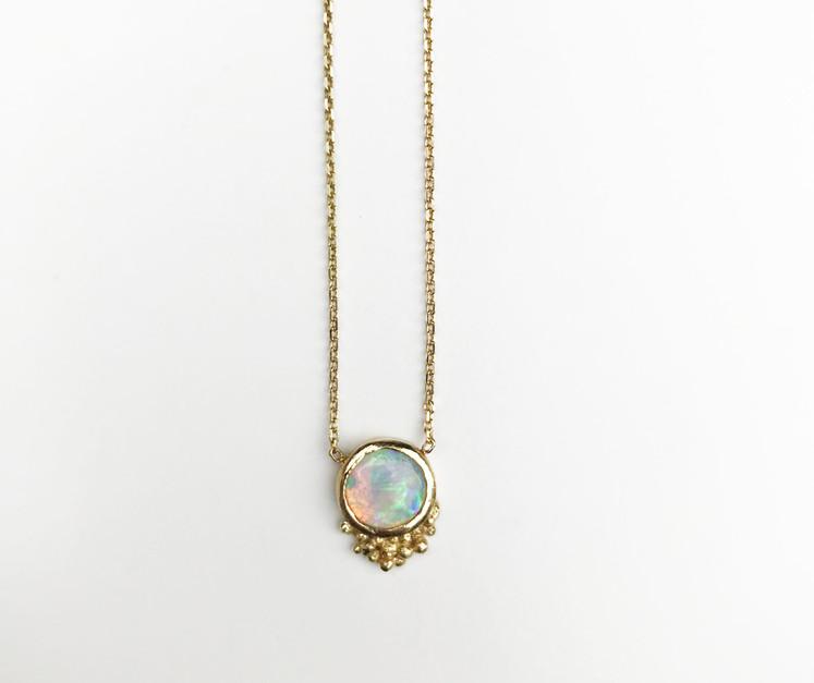 18K Opal pendant