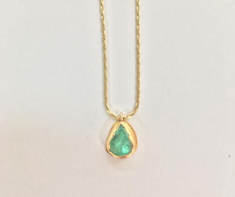 18K Colombian Emerald pendant