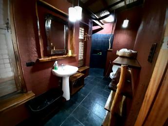 bathroom cottage 1.jpg