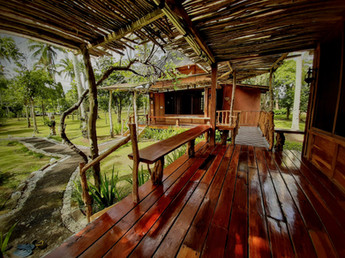 cottage 2 deck.jpg