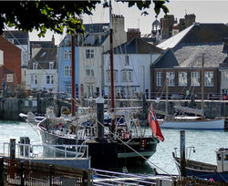 Moonfleet Sailing in Weymouth Harbour ta