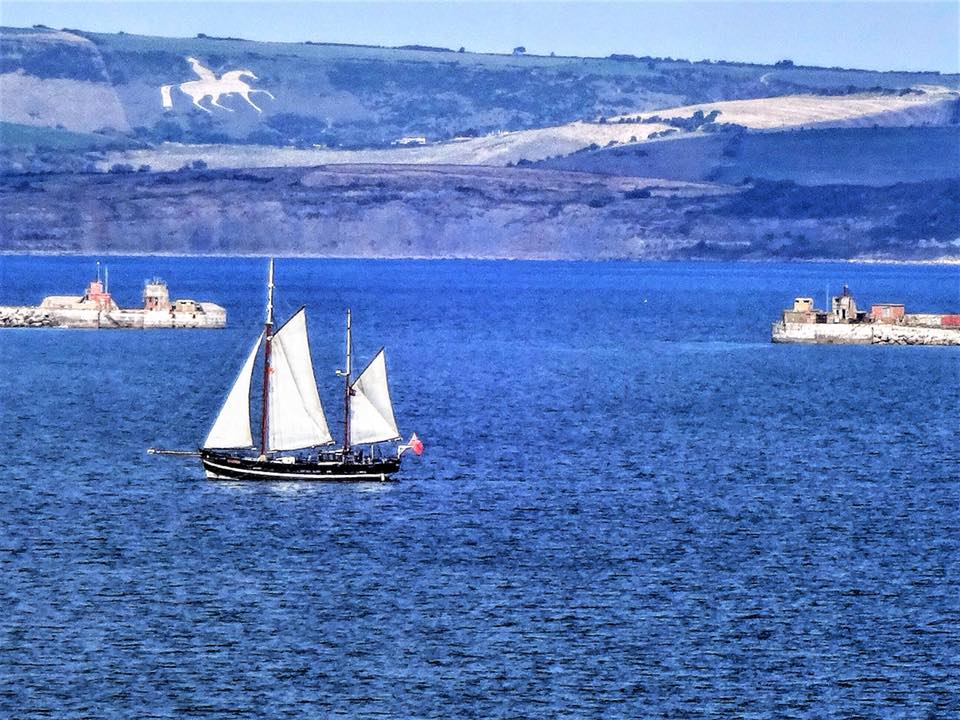Moonfleet Sailing in Portland Harbour wi