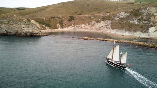 Moonfleet Sailing at Man O' War Bay take