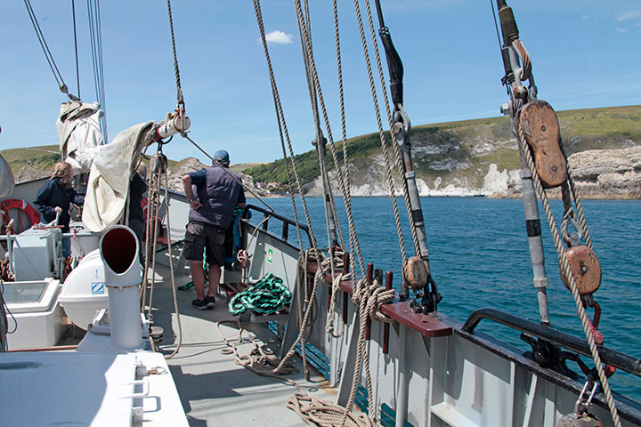 Moonfleet Sailing at Durdle Door  (2)