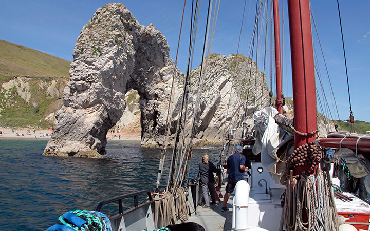 Moonfleet Sailing at Durdle Door in Dors