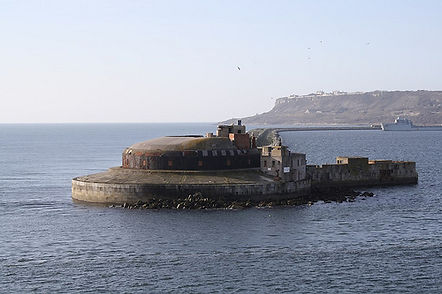 Moonfleet Sailing at Portland Harbour Forts
