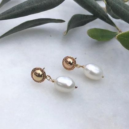Dangle Pearl Earrings
