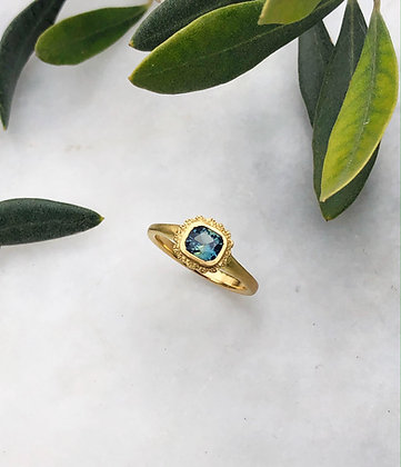 18ct Yellow Gold Fluted Ring