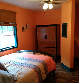 Room at Sufi Lodge, Troutdal Virginia