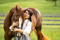 Summer Evening Equine Heart Horse Portrait Photoshoot   Victoria Siebe Photography + Film
