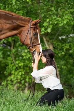 Summer Heart Horse Portrait Photoshoot   Victoria Siebe Photography + Film