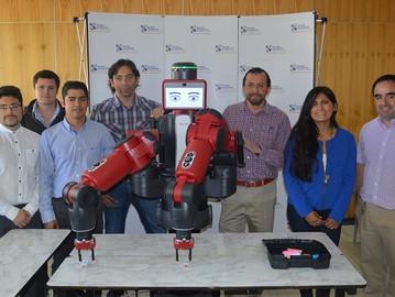 """Estudiantes aprenderán con """"Baxter"""", primer robot de su tipo en Chile, capaz de trabajar """"inteligent"""