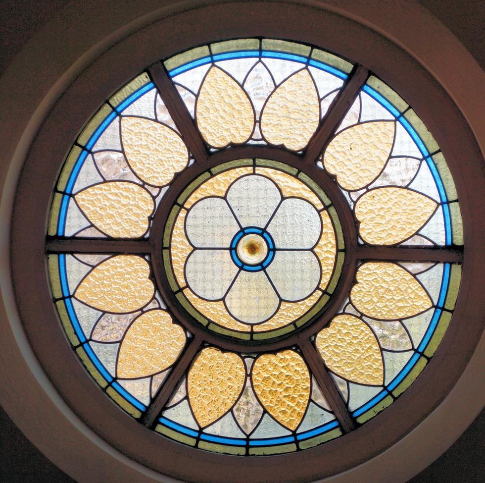Window round 01.JPG