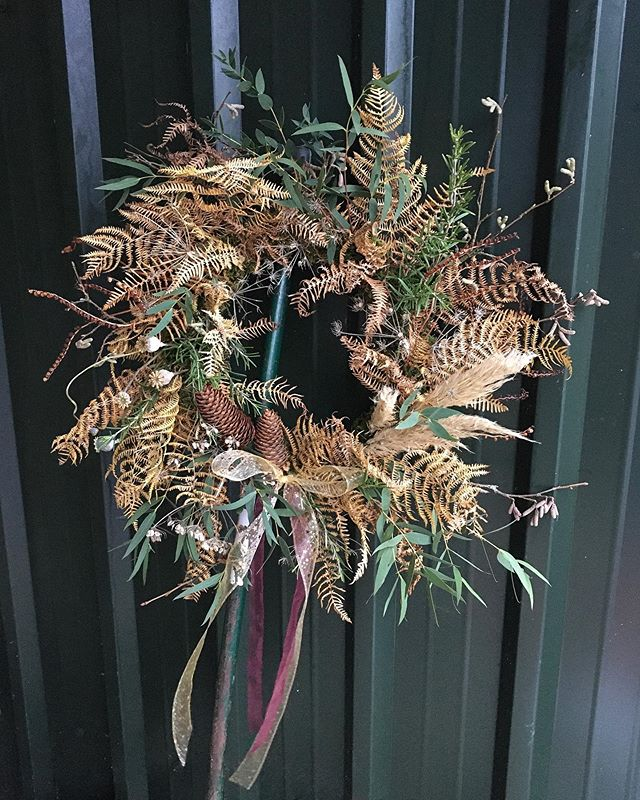 Emma Jane Floral Design creates a mixed fresh and dried biodegradable foam free luxury christmas wreath
