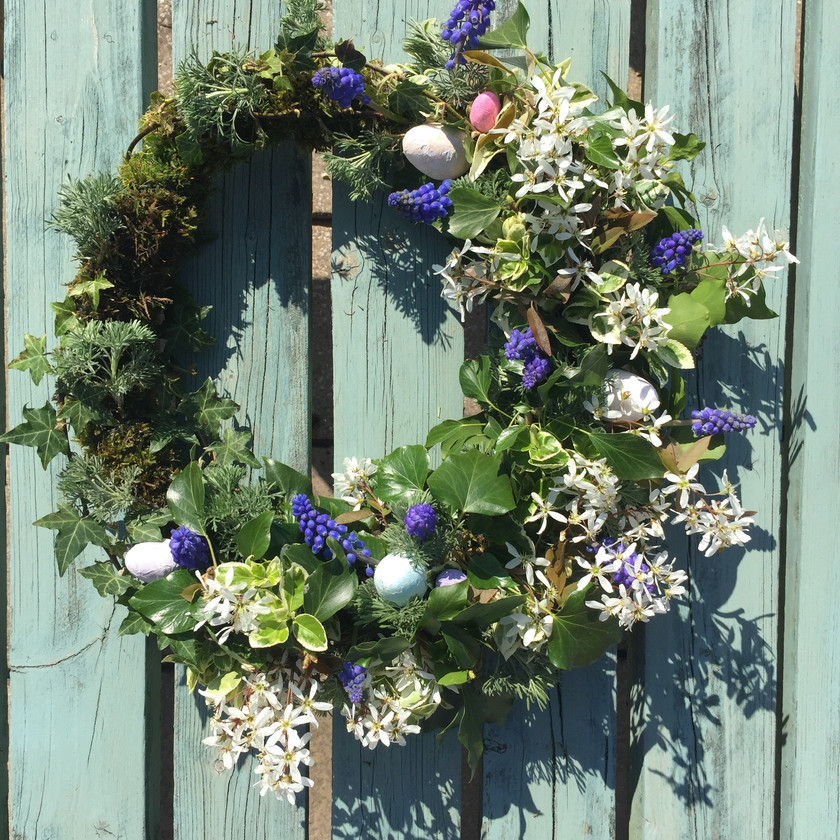 Make your own floral foam free Easter wreath with Welshpool florist Emma Jane Floral Design