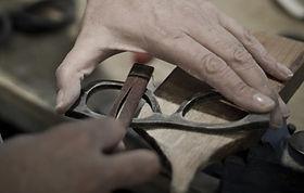 eyebizz_Hornbrillen_Handcrafting-2.jpg