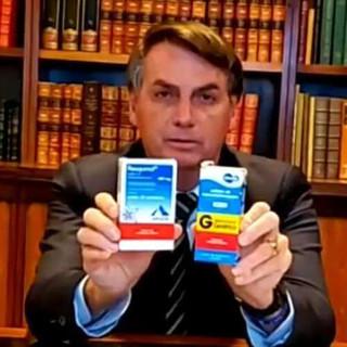 Bolsonaro volta a atacar a ciência vendendo mentiras