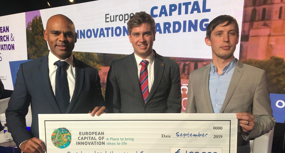 Mayor Rees and colleagues receive the runner-up prize for the 2019 iCapital Award