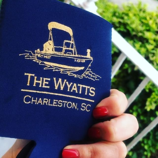 Happy #weddingday to _lthetzel + _blakemwyatt 👰🏼💍🤵🏽 ••• #tieitwithawyatt #hithwedding #koozies