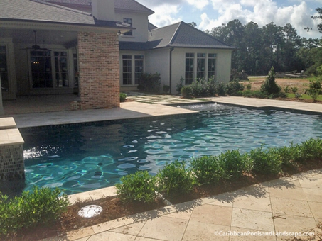 Geometric Pool and Spa Travertine Deck.w