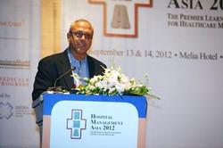 Addressing Hospital Leaders in Hanoi