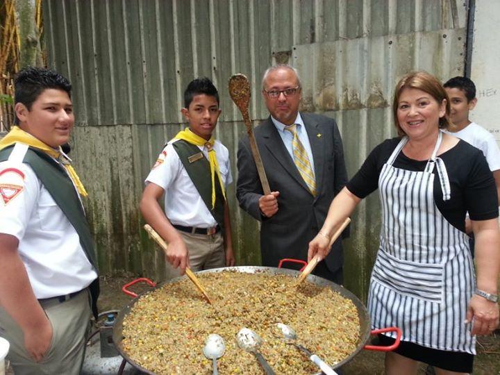 Feeding Volunteers in Costa Rica