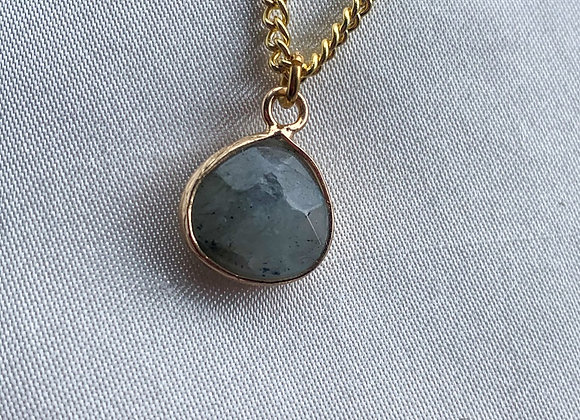 Necklace grey stone