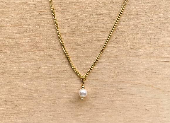 Necklace white pearl