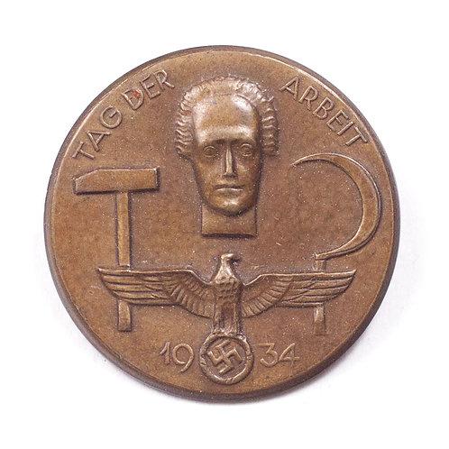 """1934 """"Tag Der Arbeit"""" Tinnie"""