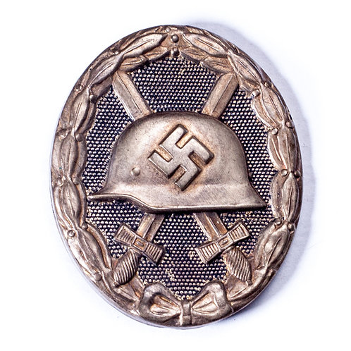 WWII German Black Wound Badge, unmarked.
